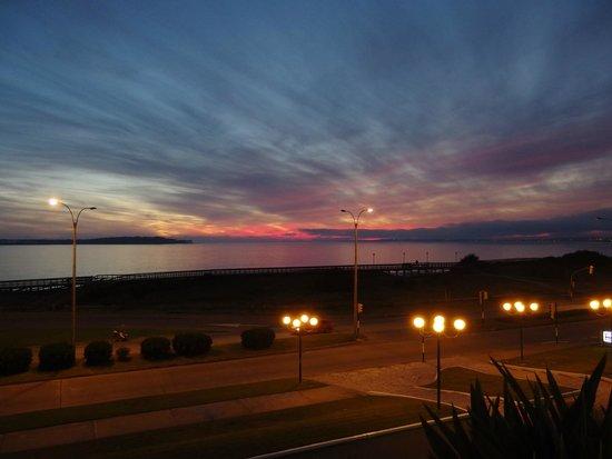Conrad Punta del Este Resort & Casino: Sempre belo pôr do sol