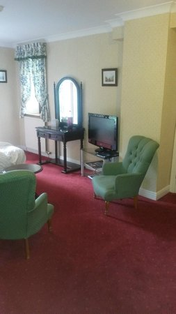 Langdale Chase Hotel : The standard room was anything but standard.