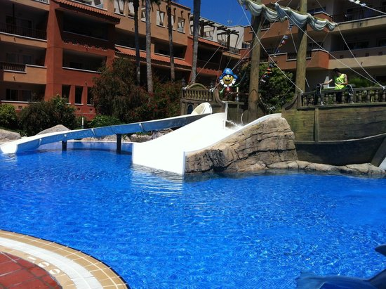 H10 Mediterranean Village : Kid's pool with slide.