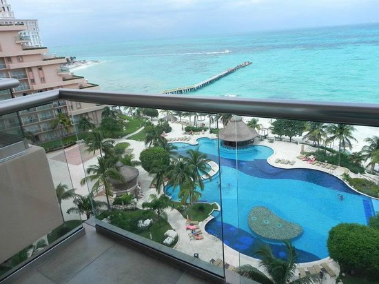 Grand Fiesta Americana Coral Beach Cancun: Vista do Quarto