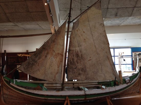 Nordkappmuseet: Sailboat