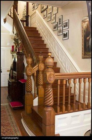 Brunswick Manor : Stairs