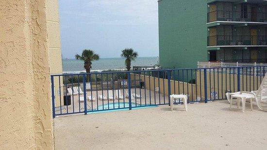 Sea Mist Oceanfront Resort: View from Sandcastle patio area