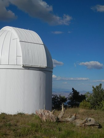 Mt. Lemmon SkyCenter Observatory: Dome and vista from top of Mt Lemmon SkyCenter Observatory