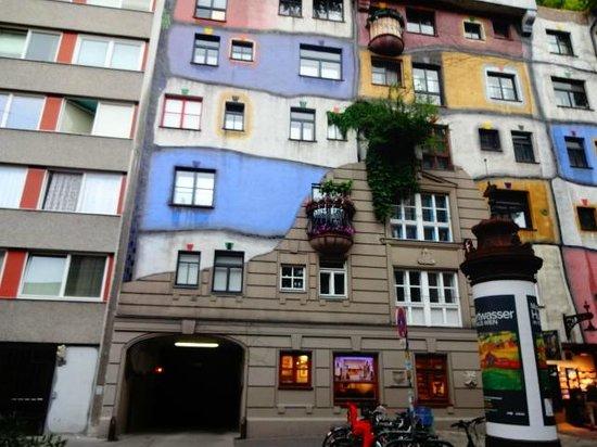 Hundertwasser Village: um pouco mais