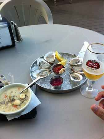 Seaport Fish: Clam chowder and oyster feast