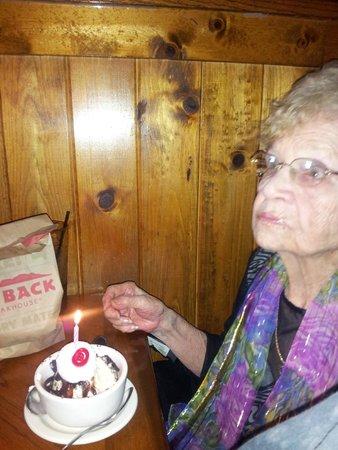 Outback Steakhouse: Happy Birthday to Nana!