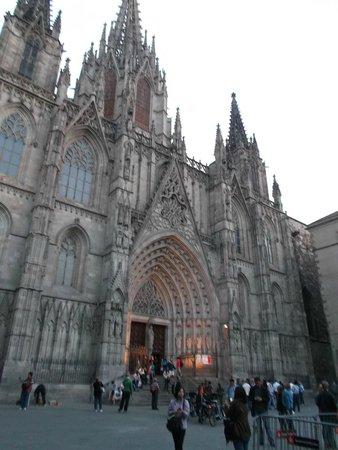 Catedral de Barcelona : Barcelona, España, Catedral de Santa Eulàlia. Fachada entrada principal.