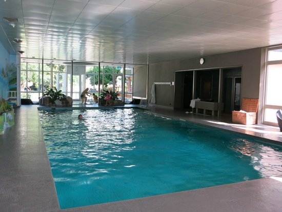 Belvedere Swiss Quality Hotel: The Belvedere hotel indoor pool.
