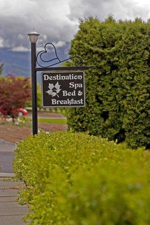Destination Spa Bed & Breakfast: Sign