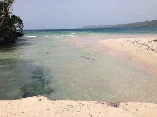 Grand Bahia Principe El Portillo : Cano frío en la playa el rincon