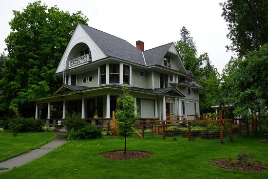The Odell House: View from the corner
