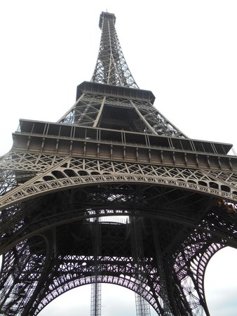 Tour Eiffel : Eiffel Tower Up Close and Personal!