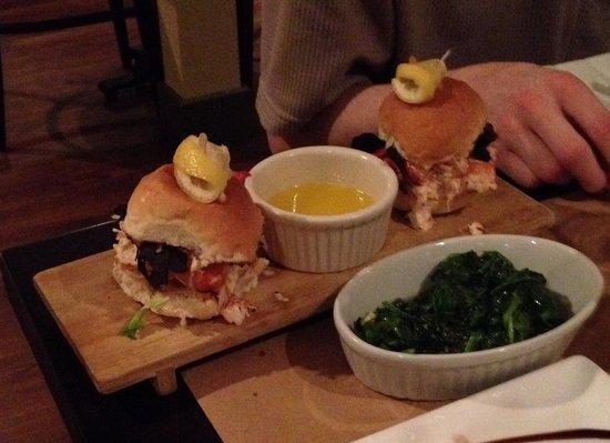Cedar Street Grille: Lobster Slider
