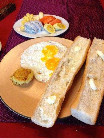 Golden Temple Villa : Temple 4 Breakfast