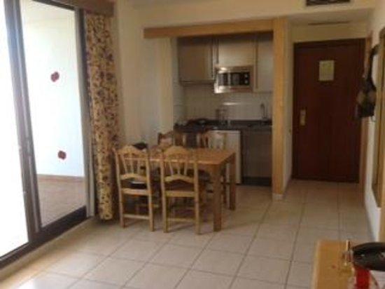 Hotel-Apartamentos Andorra: kitchen