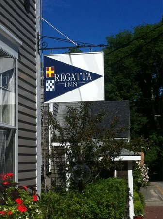 Regatta Inn: Inn entrance