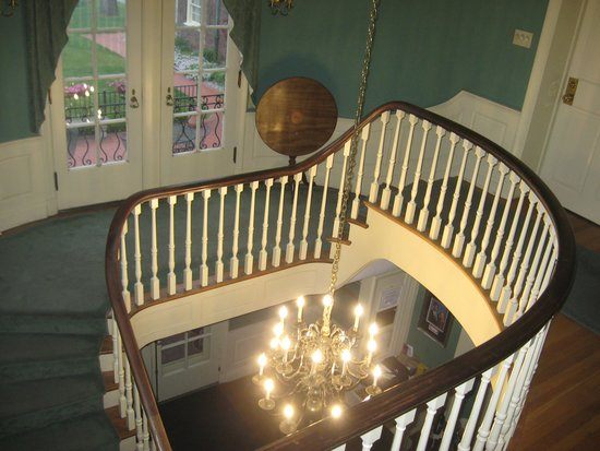 Montague Inn: Stairwell