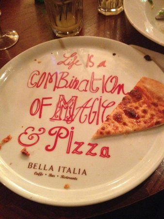 Bella Italia South Kensington : Pizza deliciosa no restaurante Bella Italia
