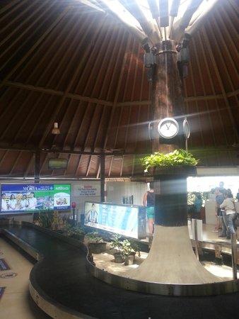 KC Beach Club and Pool Villas: สนามบินสมุย