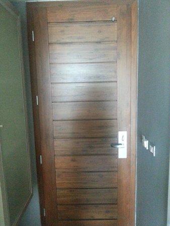 ประตู ไม่มีรูส่อง