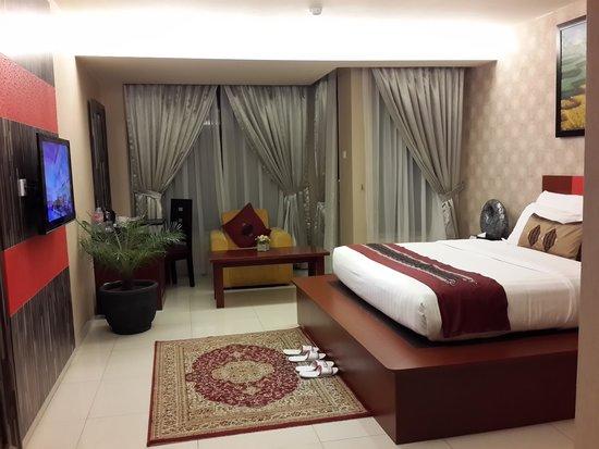 Lion Hotel & Plaza: room 3332