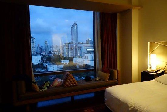 VIE Hotel Bangkok, MGallery by Sofitel : Huge window