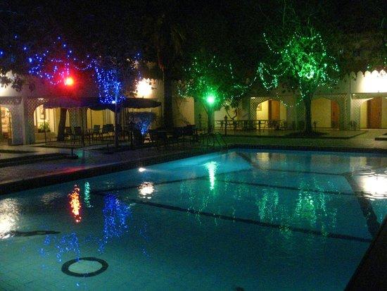 Falaj Daris Hotel: Hotel Pool