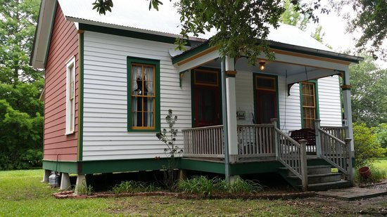 "Cajun Country Cottages Bed and Breakfast: ""The School House"""