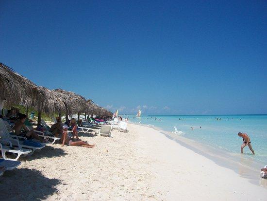 Memories Paraiso Beach Resort: beach