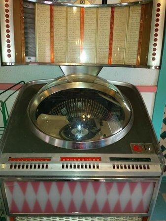 Pink Cadillac Diner: Old Juke Box