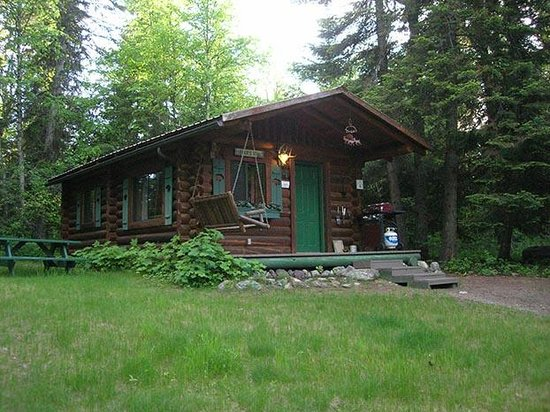 Swan Lake Cabins : Bear's Den Cabin