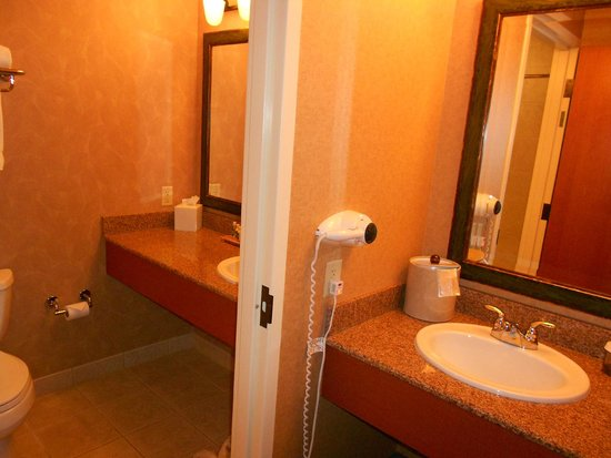 Little River Casino Resort: Sink area