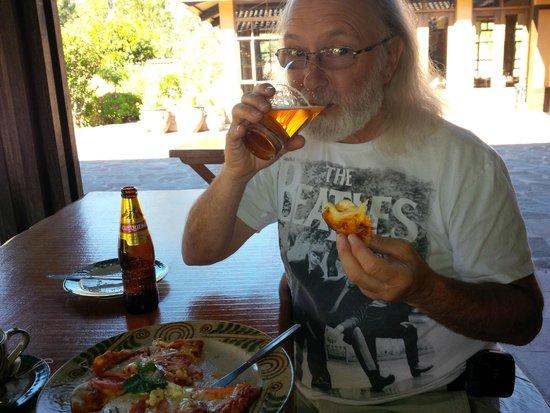 Sol y Luna - Relais & Chateaux: Pizza & beer!