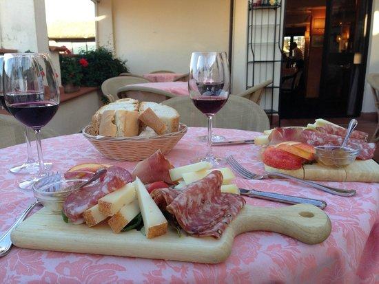 Pitti Palace al Ponte Vecchio: Degustação de queijos, frios e vinhos