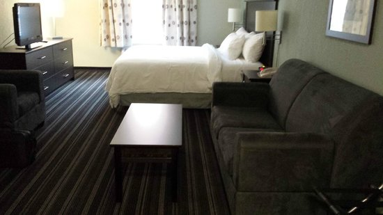 Super 8 Fort McMurray : spacious clean room
