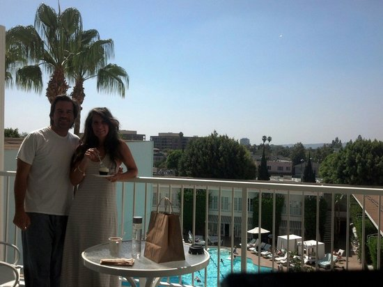 The Beverly Hilton: Who wouldn't want to order room service and enjoy the balcony with the double doors open and lot