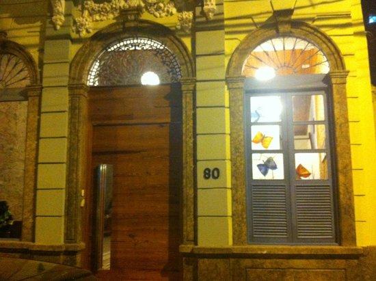 Kariok Hostel: Entrada al Hostel