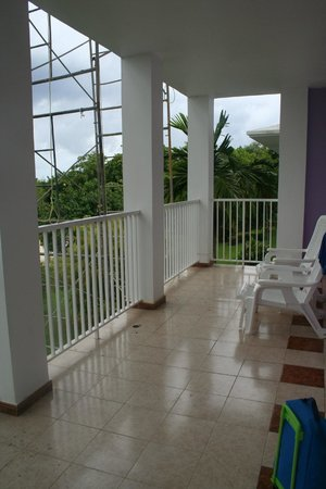 ClubHotel Riu Negril: Balcony (scaffolding was only there for the day)