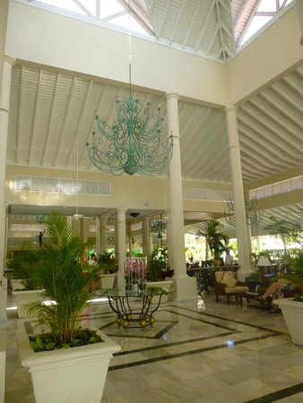 Luxury Bahia Principe Ambar Don Pablo Collection: Lobby