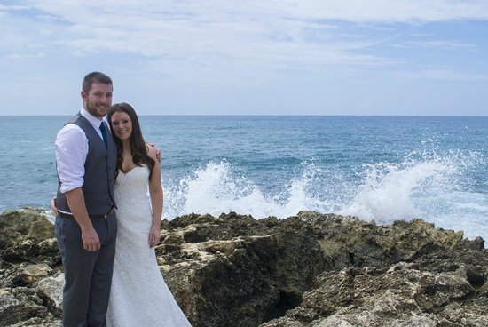 Coral Cove Resort: day after wedding shoot