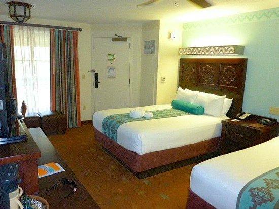 Disney's Coronado Springs Resort: large standard room