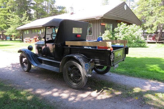 Mountain Pine Motel: Cheking in with the Model T's