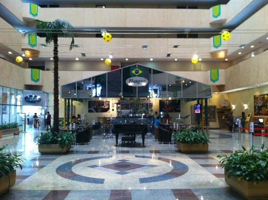 Bristol  International Airport Hotel: Lobby