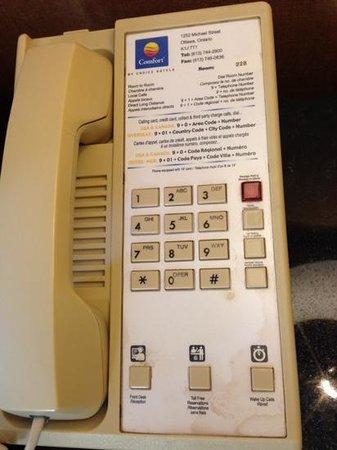 Comfort Inn Ottawa East : bedside phone