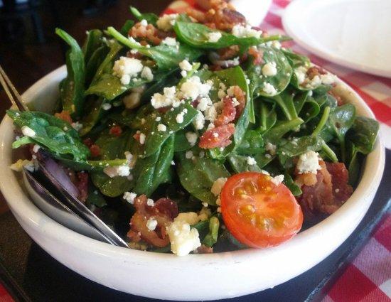 Grimaldi's Pizzeria: salad