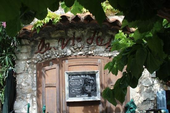 Le Nid d'Aigle : quiet spot in Eze