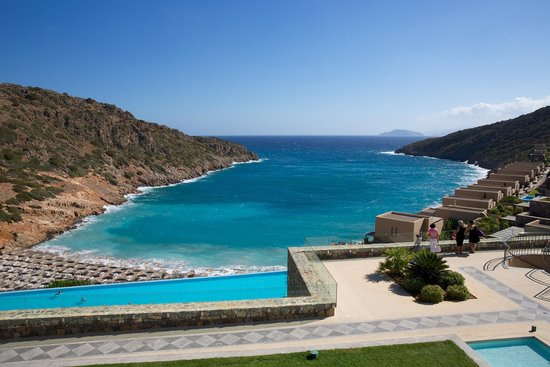 Daios Cove Luxury Resort & Villas : Вид на залив