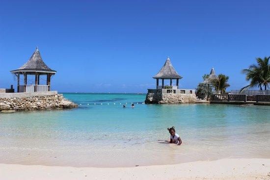 SeaGarden Beach Resort : The beach!