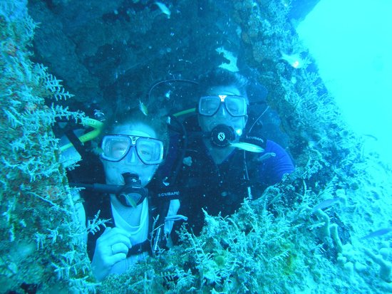 Ocean Explorers Dive Center: Peaking out the ships window